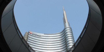Unicredit, torna in auge la fusione con Soc Gen
