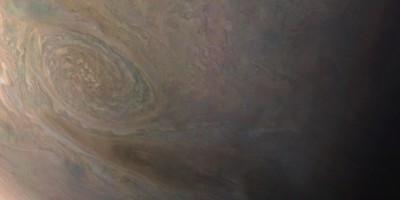 La foto della gigantesca Piccola Macchia Rossa di Giove