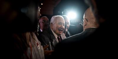 Chi era Mário Soares, che riportò la democrazia in Portogallo