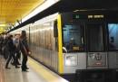 La metropolitana di Milano anticipa l'orario di apertura