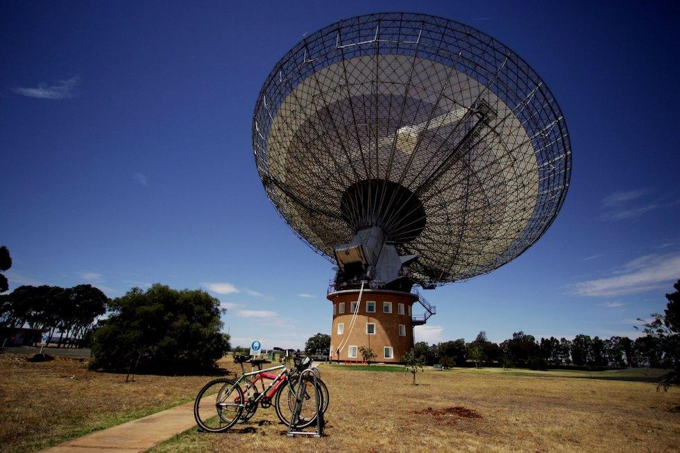 """The Dish"" Radio Telescope"