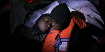 Come funziona il soccorso di un gommone di migranti