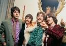 Nasconditi ragazza, arriva John (i Beatles, #110-96)