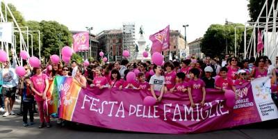 Il tribunale di Trento ha riconosciuto una coppia di uomini come genitori di due bambini