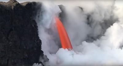La cascata di lava alle Hawaii è tornata