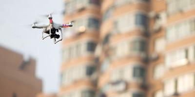 Il pilota di un drone è stato condannato a 30 giorni di prigione per aver ferito due persone