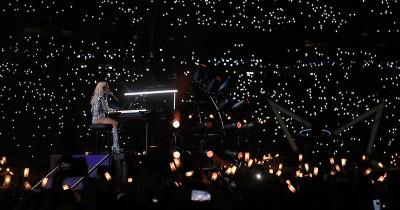 Super Bowl, lo show di Lady Gaga nell'intervallo – foto e video