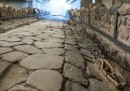 In provincia di Roma c'è un McDonald's in cui si vedono resti archeologici