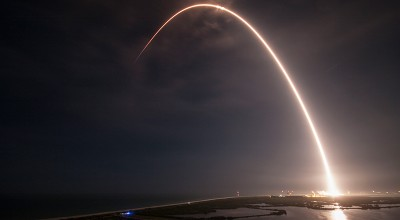 SpaceX vuole portare due persone intorno alla Luna