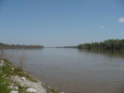 Il Mobile, se ve lo siete sempre chiesti, è un fiume che scorre per lo più in Alabama e sfocia, limaccioso, nel Golfo del Messico.