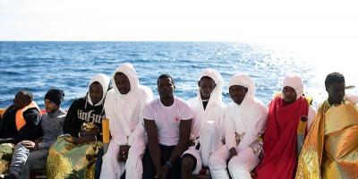 Chi soccorre i migranti crea anche problemi?