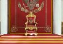 Foto di cosacchi, statue di Lenin, troni di zar