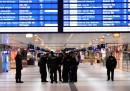 Un uomo ha ferito diverse persone con un'ascia a Düsseldorf