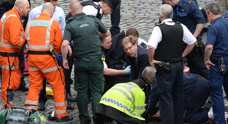 Londra: è una carneficina Il VIDEO dei feriti sul ponte