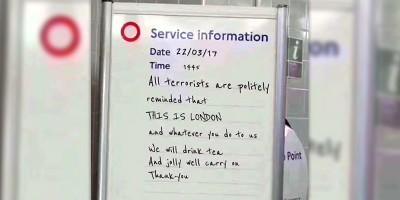 Il messaggio della metropolitana di Londra sull'attentato è bello ma è falso