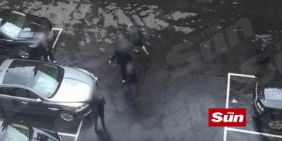 Il video di Theresa May che viene portata via dal Parlamento dopo l'attentato