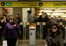 Nella metro di Milano potete leggere gratis gialli ambientati a Milano