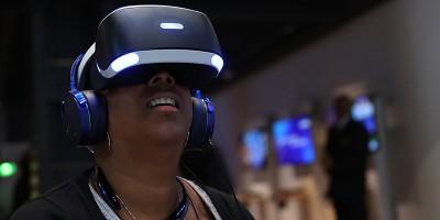 I visori per la realtà virtuale non stanno vendendo molto