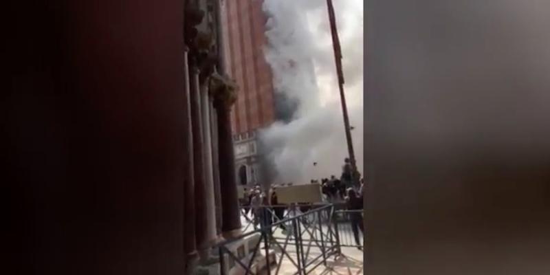 Spettacolare rapina a Venezia, ladri scappano lanciando fumogeni