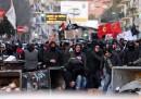 Le foto degli scontri a Napoli per il comizio di Salvini