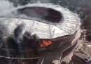 L'incendio allo stadio Hongkou di Shanghai