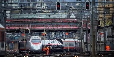 Le foto del treno italiano deragliato a Lucerna