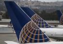 United Airlines non ha fatto imbarcare tre ragazze con i leggings