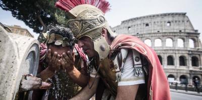 """Perché Raggi litiga coi """"centurioni"""""""