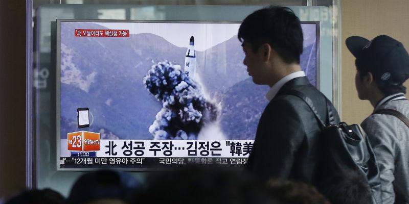 Al di là di proclami vari, Kim Jong-un sa meglio di chiunque altro che un momento dopo aver tirato un petardo contro un obiettivo americano, della Corea del Nord rimarrebbe un cumulo di detriti.