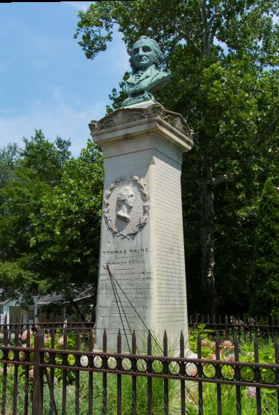 Il busto di Thomas Paine, fuori New York (da wikipedia).