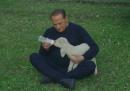 """Berlusconi ha adottato cinque agnelli per """"salvarli"""" dalla Pasqua"""