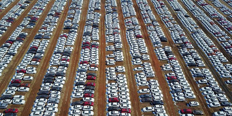 Meno parcheggi per tutti
