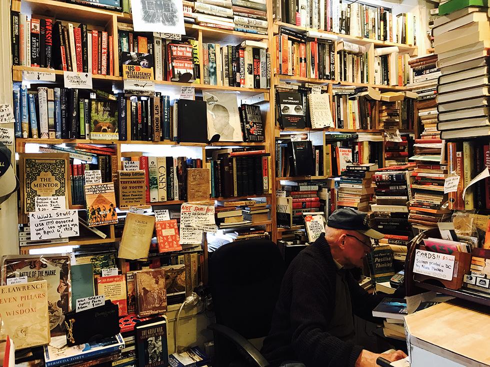 Librerie E Scaffali Economici.La Libreria Piu Inospitale E Ospitale Di Washington Il Post