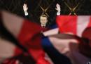 Macron, la camminata e la piramide