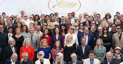 Quanti attori riconoscete tra questi in posa a Cannes?
