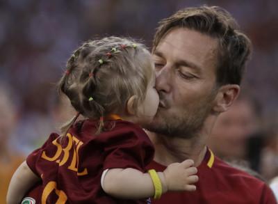 Au revoir, mon Capitaine Francesco-Totti-0-400x293