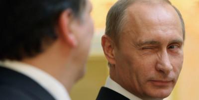 Le facce che fa fare Putin