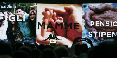 Le priorità del PD di Renzi: «lavoro, casa e mamme»