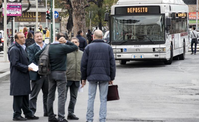 Trasporti, giovedì nero per Roma
