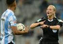 La prima donna ad arbitrare uno dei maggiori campionati di calcio europei