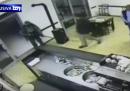 Il video della rapina nel bar di Budrio
