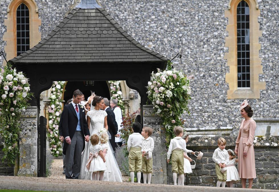 Matrimonio Di Pippa : Charlotte e george tenerissimi al matrimonio di pippa middleton