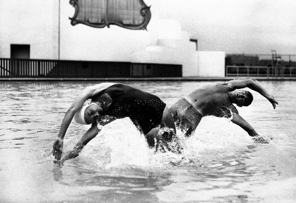 Se fa caldo si va in piscina il post - Del taglia piscine chiude ...
