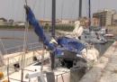 I migranti che arrivano in barca a vela