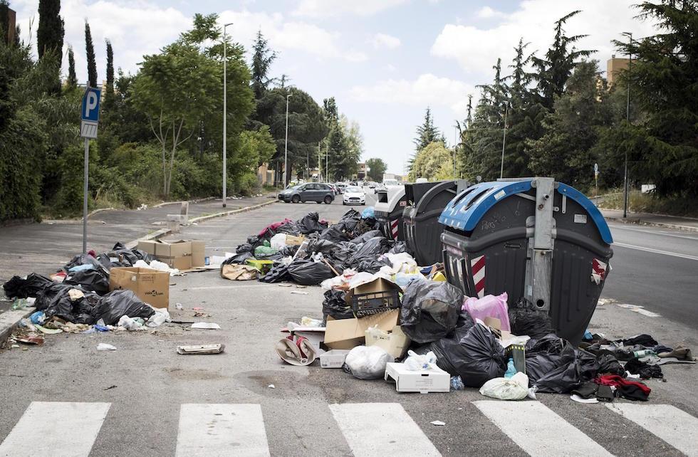 Risultati immagini per foto dei problemi dei rifiuti