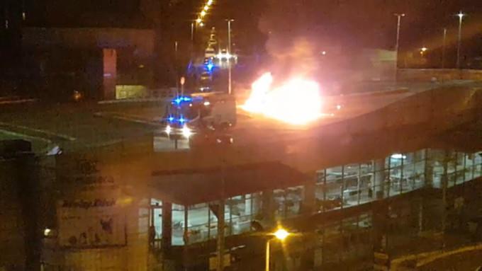 In fiamme camper a Roma, morta una ragazza e 2 bimbe