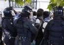 Cosa sappiamo della morte del venditore ambulante senegalese a Roma