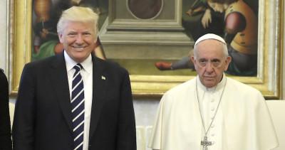 È vero che il Papa non ha sorriso a Donald Trump?