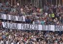Lo striscione dei tifosi della Lazio per Totti
