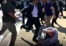 Che i poliziotti turchi picchino i manifestanti non è una novità: ma stavolta è successo a Washington DC